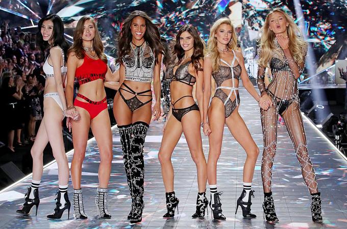 5 nàng mẫu gốc Á ghi dấu ở show Victorias Secret 2018 - 4