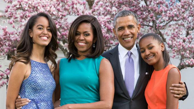 Khoảnh khắc hạnh phúc của nhà Obama được nhiếp ảnh gia Nhà Trắng chia sẻ nhân Lễ Phục sinh 2015. Ảnh: Pete Souza.