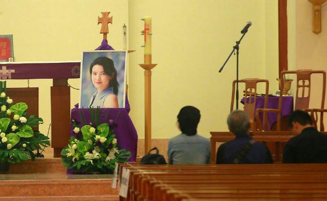 Lam Khiết Anh mất tại nhà riêng nhưng không ai hay biết, vài ngày sau, thi thể cô mới được phát hiện.