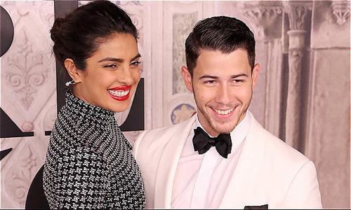 Nick Jonas và Hoa hậu Thế giới hơn 10 tuổi đăng ký kết hôn