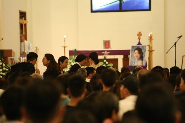 Tài tử Trương Vệ Kiện góp mặt trong lễ tưởng niệm Lam Khiết Anh.