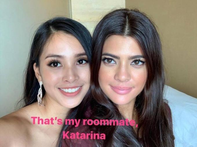 Tiểu Vy chụp ảnh cùng Hoa hậu Philippines -