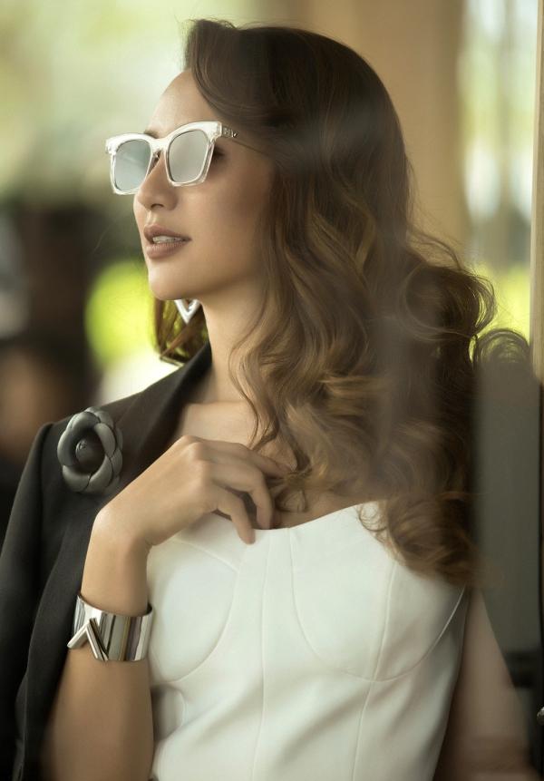 Ngọc Diễm hiện tập trung công việc kinh doanh bên cạnh hoạt động nghệ thuật, nên cô luôn ý thức phong cách ăn mặc vừa phù hợp hình ảnh một doanh nhân vừa vẫn đảm bảo tình thời tramg.