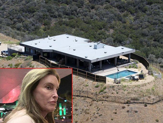 Nhà của Caitlyn Jenner bị lửa bao trùm.