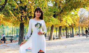 Á khôi Băng Châu mê mẩn cảnh đẹp mùa thu châu Âu