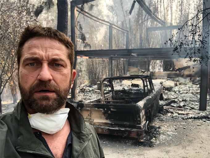 Gerard Butler buồn rầu khi quay về nhà.