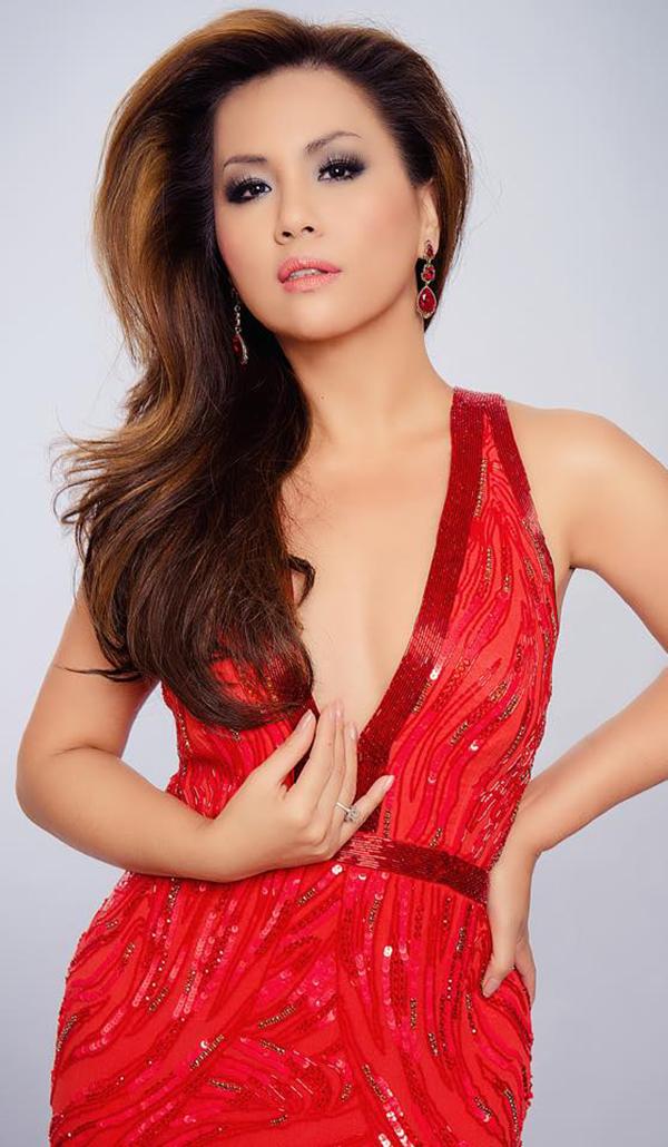 Minh Tuyết là một trong những ca sĩ tham gia liveshowNgười tình do Dương Cầm làm giám đốc âm nhạc.