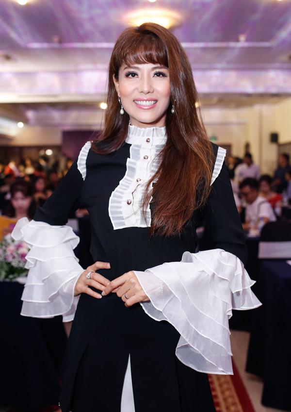 Cựu người mẫu đắt show ngồi ghế nóng các cuộc thi nhan sắc trong và ngoài nước từ khitrở lại làng giải trí.