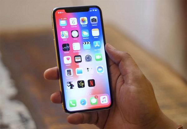Apple thay miễn phí màn hình iPhone X lỗi cảm ứng
