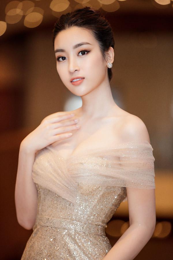 MC Phương Mai đọ dáng với Đỗ Mỹ Linh tại event - 9