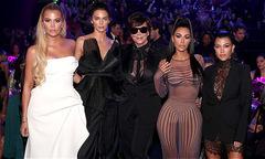 Nhà Kim Kardashian dự lễ trao giải sau hai ngày sơ tán vì hỏa hoạn