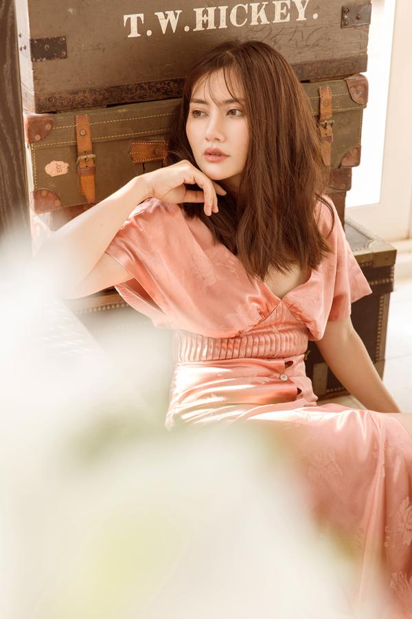 Sau khi hoàn thành bộ phim truyền hình Trả em kiếp này, vợ chồng Ngọc Lan đã tranh thủ đi nghỉ Phú Quốc và thực hiện bộ ảnh kỷniệm cho nữ diễn viên.
