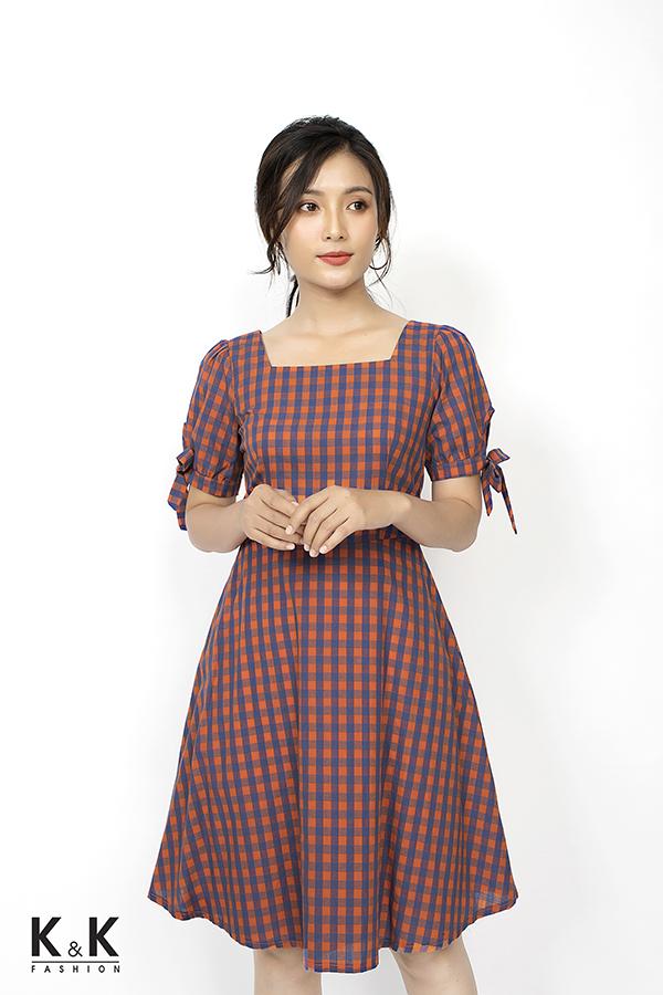 Đầm xòe caro cổ vuông cổ điển KK79-01; Giá: 420.000 VND