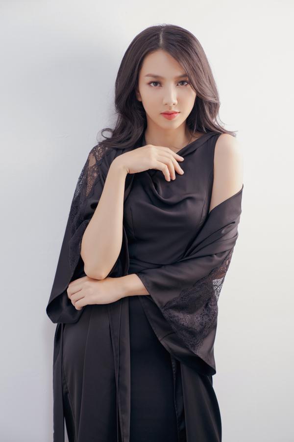 Xuất hiện trong bộ ảnh mới của Adiran Anh Tuấn là Miss International Vietnam 2018 - Thuỳ Tiên.