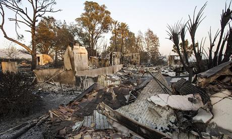 Hàng nghìn biệt thự của nhà giàu Mỹ bị thiêu rụi