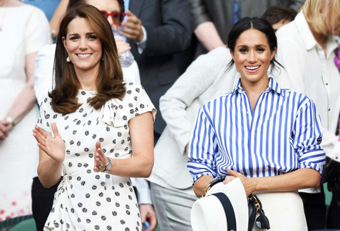 Hai chị em dâu Kate và Meghan chia nhau vị trí thứ 4 và thứ 6 trong danh sách những người được yêu thích nhất hoàng gia, cùng đi xem Wimbledon hồi tháng 7. Ảnh: UK Press.