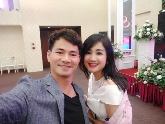 Xuân Bắc selfie đọ độ trẻ trung cùng diễn viên Thu Hà.