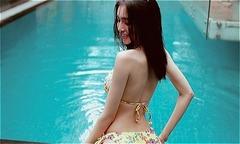 Ảnh hot 14/11: Elly Trần làm bà nội trợ quyến rũ