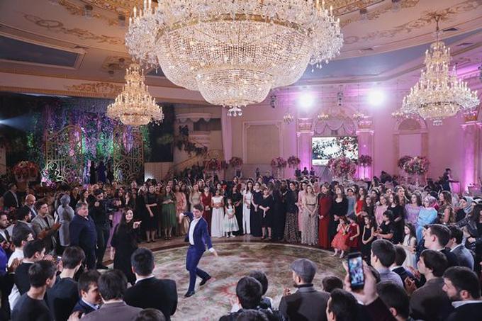 Đám cưới của Ayna và Haidar diễn ra trong hai ngày ở Moscow.
