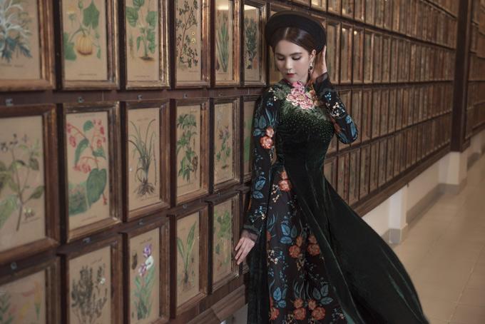 Bộ ảnh do stylist Phạm Bảo Luận và chuyên gia trang điểm Bảo Bảo, Hiếu Nghĩa hỗ trợ thực hiện.