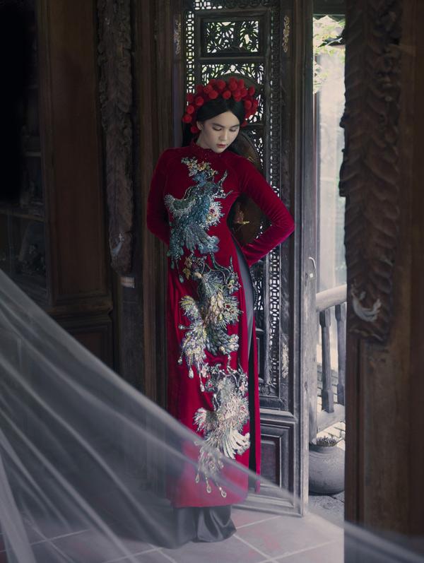 Ngọc Trinh thích thú khi có dịp làm mẫu, thực hiện bộ ảnh theo phong cách xưa.