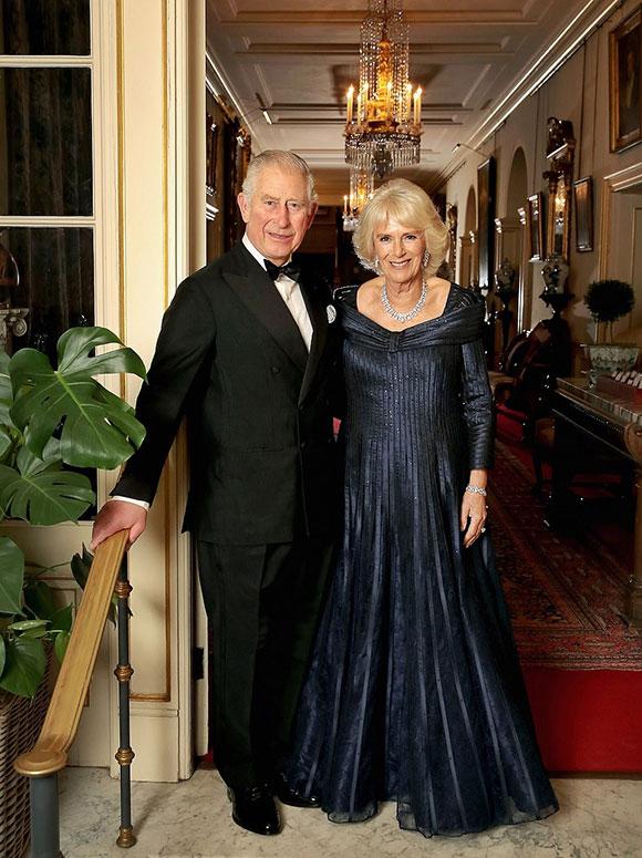 Thái tử Charles và vợ, bà Camilla, trước giờ diễn ra bữa tiệc sinh nhật tại Điện Buckingham, tối 14/11. Ảnh: Royal UK.