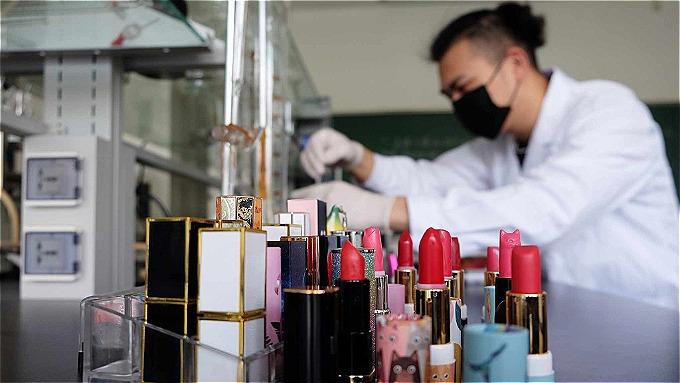 Son ăn được của Zhang Tian khiến nhiều người tò mò và nhận được phản ứng tích cực của khách hàng.