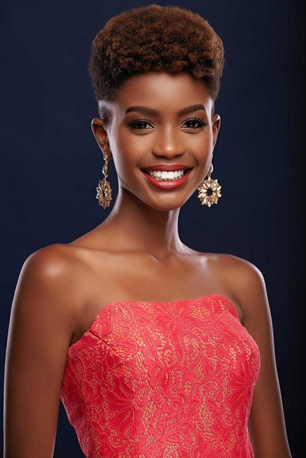 Nhan sắc đối thủ da đen, tóc tém giống HHen Niê tại Miss Universe - 1