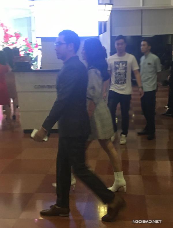 Vợ chồng Thanh Bình - Ngọc Lan là hai nghệ sĩ hiếm hoi xuất hiện trong đám cưới của Trương Nam Thành vào chiều tối ngày 18/11.