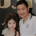 Cựu danh thủ Hồng Sơn ủng hộ con gái út làm mẫu nhí