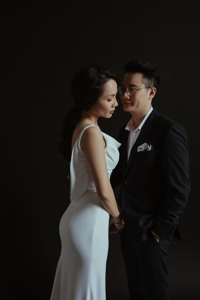 Vợ chồng Hoàng Bách ình hết nấc chụp ảnh kỷ niệm 12 năm ngày cưới
