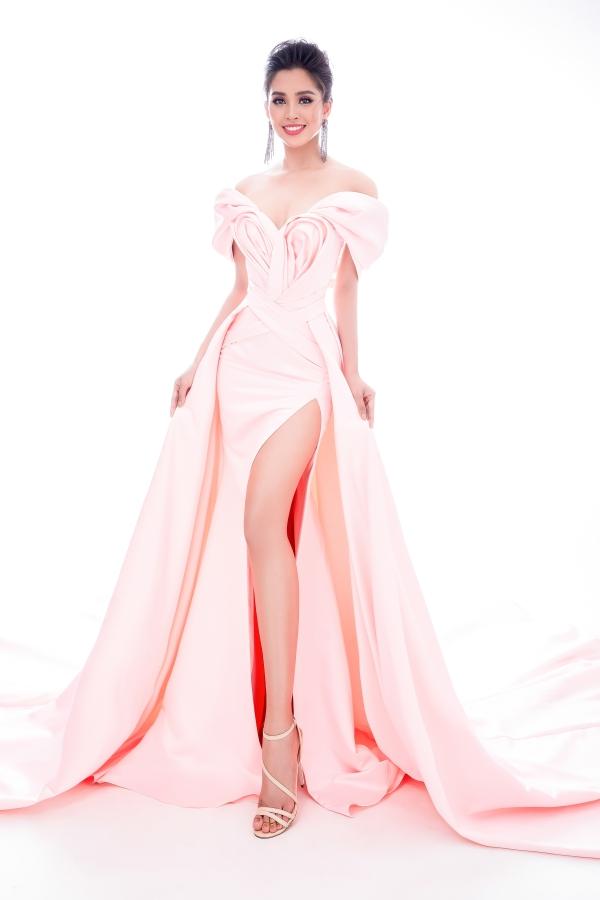 Stock: Mr. AT, stylist: circuit Huy Ha Luan, makeup: Quan Nguyen, hairdresser: Pu Le.