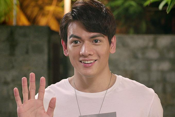 Người mẫu Lê Xuân Tiền vào vai Jack - một anh chàng điển trai, thân hình sáu múi. Anh có cuộc chạm trán khó quênvới Ms. Q khi đến nhàthực hiện nhiệm vụ làm cho Ms. Q vui.