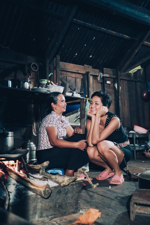 HHen Niê được mẹ khuyên tiết kiệm tính đường lui cho tương lai - 1