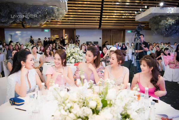 Hoa hậu Giáng My, Ngọc Trinh, Hoa hậu Đỗ Mỹ Linh, diễn viên Dương Cẩm Lynh... là khách mời trong sự kiện.