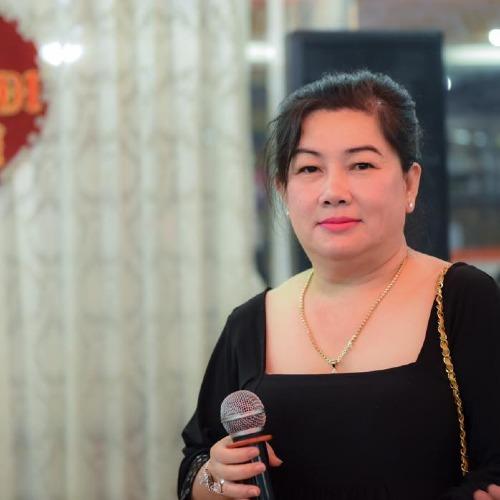 Bà Dung cho biết, bà viết tâm thư này lên Facebook để Cát Phượng và mọi người đọc, có nhận xét thấu đấu và công bằng nhất.