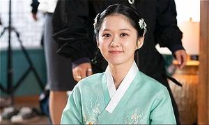 Bố Jang Nara khoe ảnh con gái 'đẹp quên tuổi'