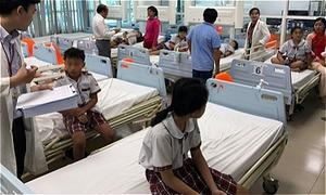 20 học sinh tiểu học Sài Gòn bị giàn giáo đè khi dự lễ 20/11