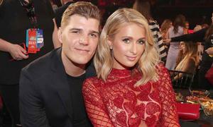 Paris Hilton hủy hôn ước với người tình trẻ