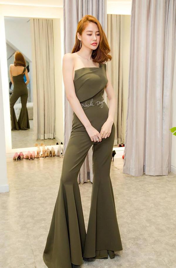 Trang phục áo liền quần với điểm nhấn ống loe to bản được Linh Chi, Sam và nhiều người đẹp chọn lựa để kéo dài chân thon.