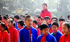 Nữ sinh lớp 6 ở Trung Quốc cao gấp rưỡi bạn học