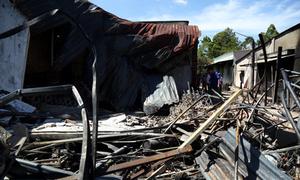 Ba mẹ con ở Bình Phước không thoát kịp biển lửa từ xe bồn bị lật