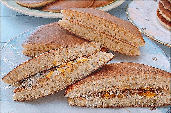 Bánh bột mì rán, nhân ruốc trứng muối - 1