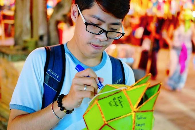 Chàng trai Việt hướng dẫn tham tham gia lễ hội đèn trời đẹp nhất thế giới ở Chiangmai