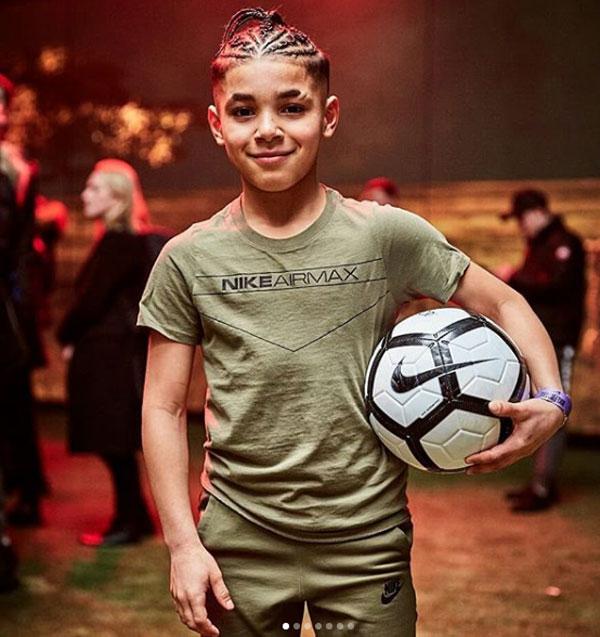 Ramell Carter là gương mặt đắt show quảng cáo, từng xuất hiện trong bộ ảnh của Nike hay JD Sports.
