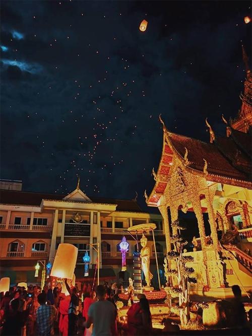 Chàng trai Việt hướng dẫn tham tham gia lễ hội đèn trời đẹp nhất thế giới ở Chiangmai - 4