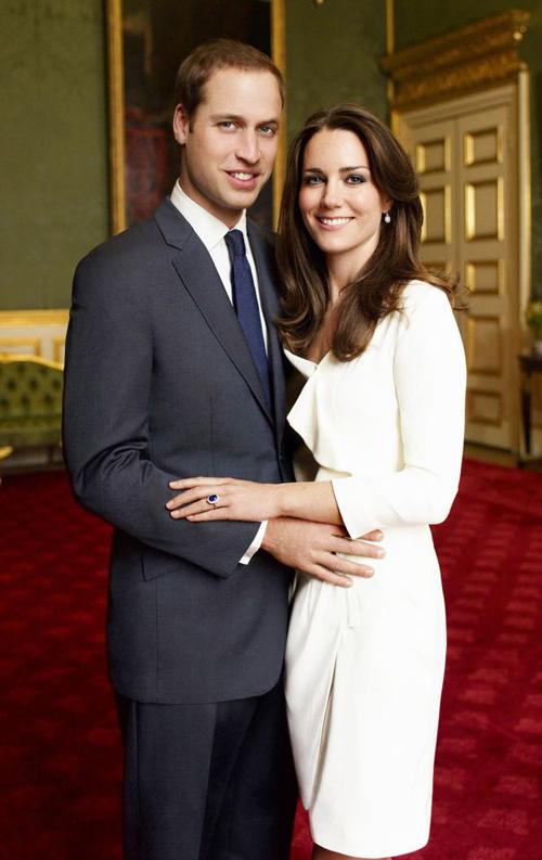 William và Kate công bố tin đính hôn ở Điện St.James cuối năm 2010. Ảnh: UK Press.