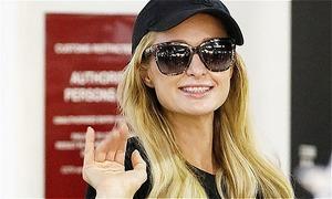 Paris Hilton tháo nhẫn đính ước sau khi hủy hôn với bồ trẻ