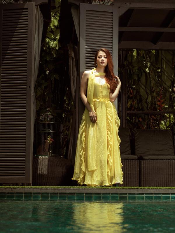 Cô từng bị đồn có quan hệ tình cảm với siêu mẫu Hồ Đức Vĩnh. Tuy nhiên cả hai cho biết họ chỉ là anh em thân thiết. Đức Vĩnh từng hỗ trợ Thái Nhiên Phương khi thi Hoa hậu quốc tế người Việt 2016. Chàng người mẫu đảm nhiệm vai trò đạo diễn hình ảnh trong nhiều bộ ảnh thời trang của người đẹp.