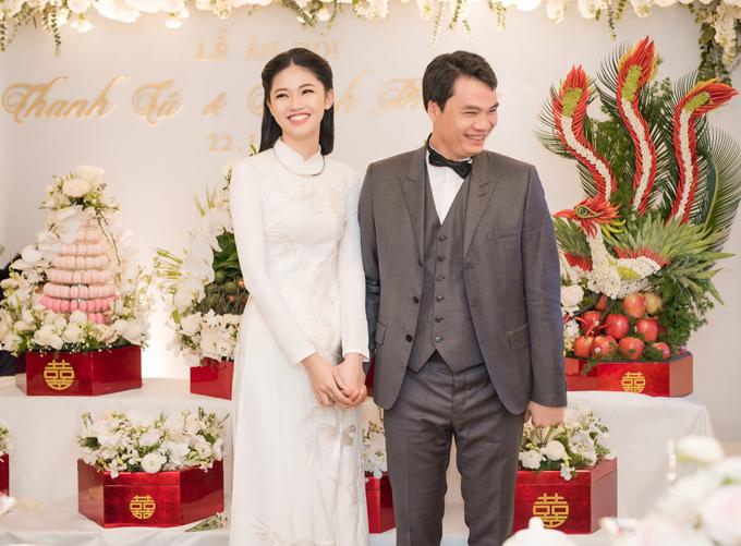 Chồng Thanh Tú sinh năm 1978, là chủ tịch một tập đoàn lớn ở Hà Nội. Á hậu tiết lộ, ông xã rất tâm lý và luôn tôn trọng, nhường nhịn cô.